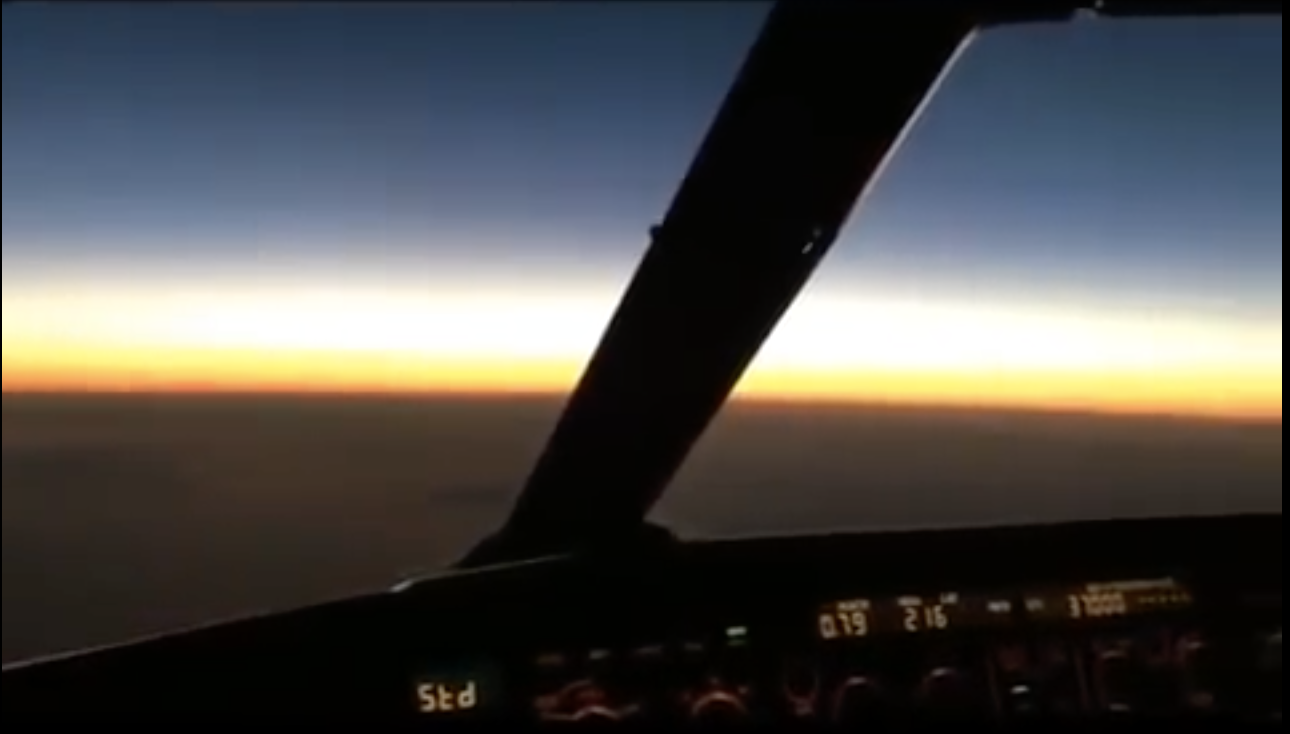FLAT EARTH PILOT from the Cockpit PROVES the Earth is FLAT!
