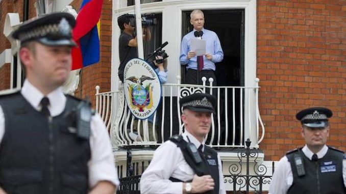 """Assange to Be Arrested """"Within HOURS"""", WikiLeaks Warns"""