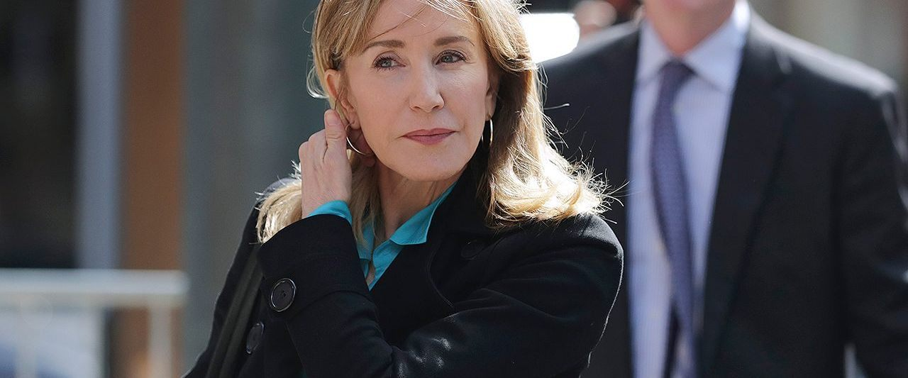 Actress Felicity Huffman apologizes to daughter, academic community in letter agreeing to guilty plea