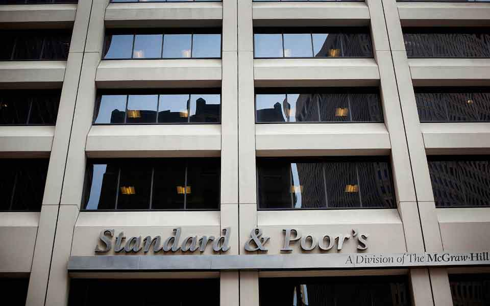 S&P refrains from raising Greece's credit rating citing election risks