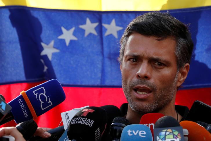 Venezuela opposition figure, facing arrest warrant, says he met with generals