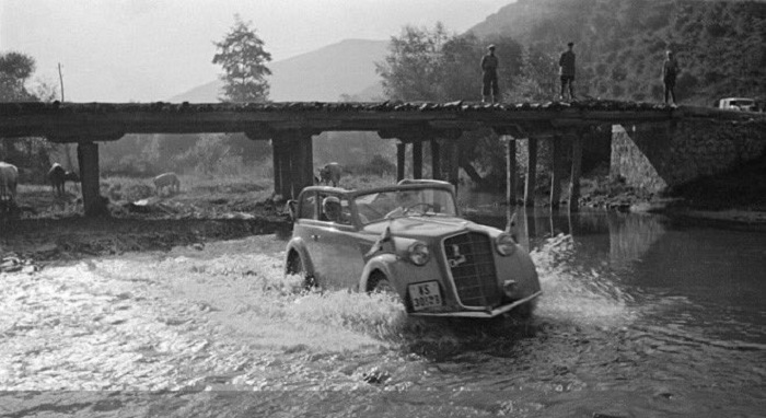 Tour of Greece by Car in the 1930s, Stunning Photos Emerge