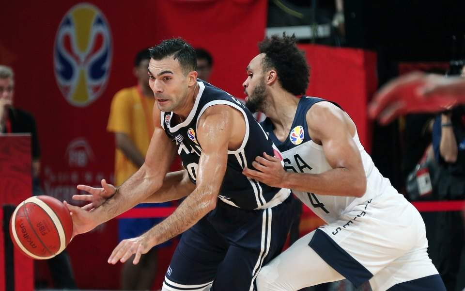 Greece loses to Team USA but can Czech its ticket on Monday