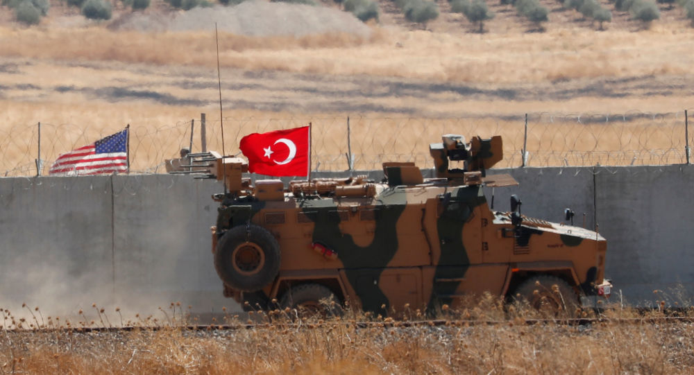 Erdogan Aide Vows Turkish Offensive in Syria 'Shortly', Urges YPG Fighters to Defect