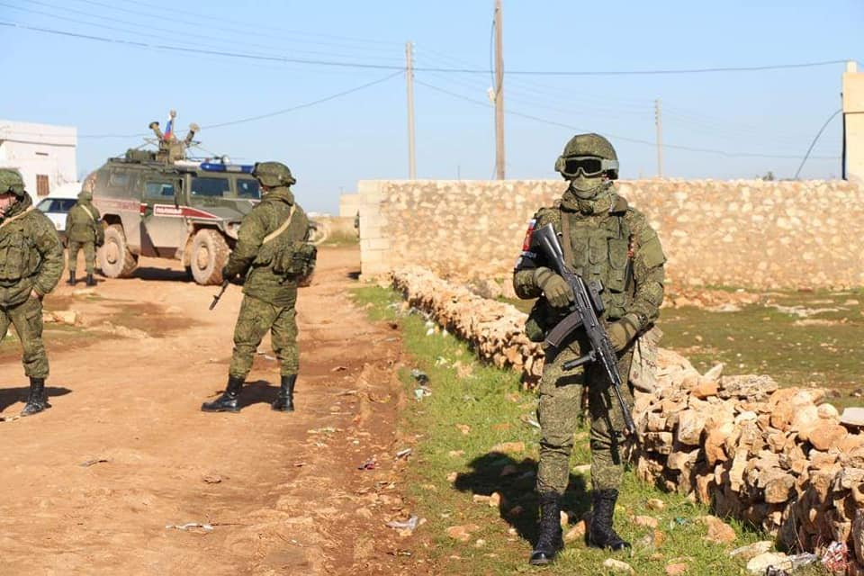 Russian military patrols 3 different parts of Syrian-Turkish border