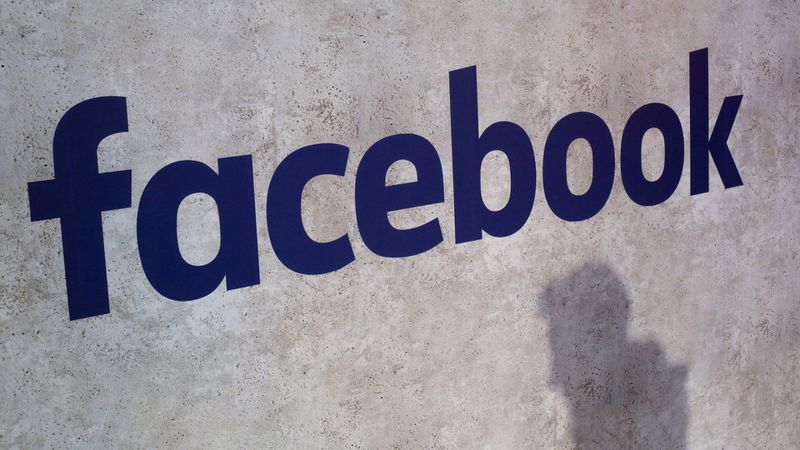 Facebook outage reported on Thanksgiving