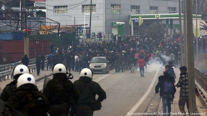 Greece: NGOs accused of stoking unrest in refugee camp