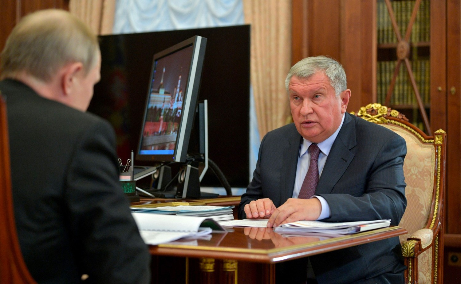 Rosneft tells Putin New Arctic Project will be Biggest in Global Oil