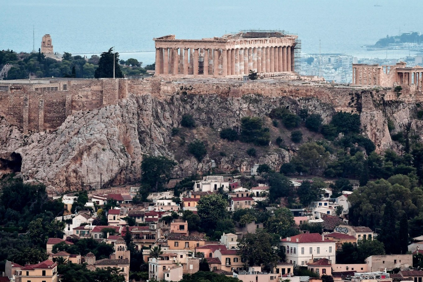 Coronavirus HOAX shuts down museums, sites in Greece