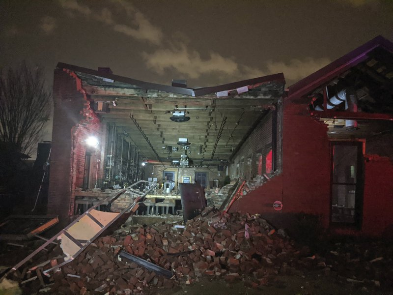 Tornado hits downtown Nashville, at least 9 die in Tennessee