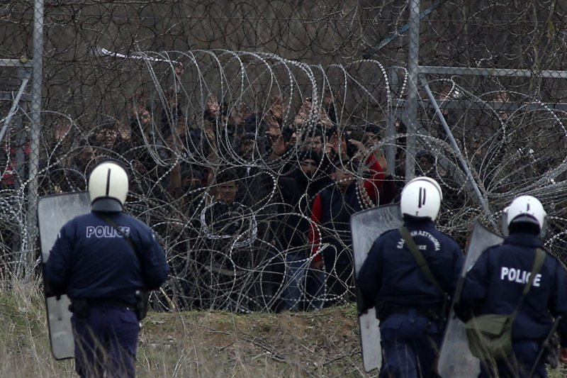 Clashes erupt on Greece-Turkey border as migrants seek entry