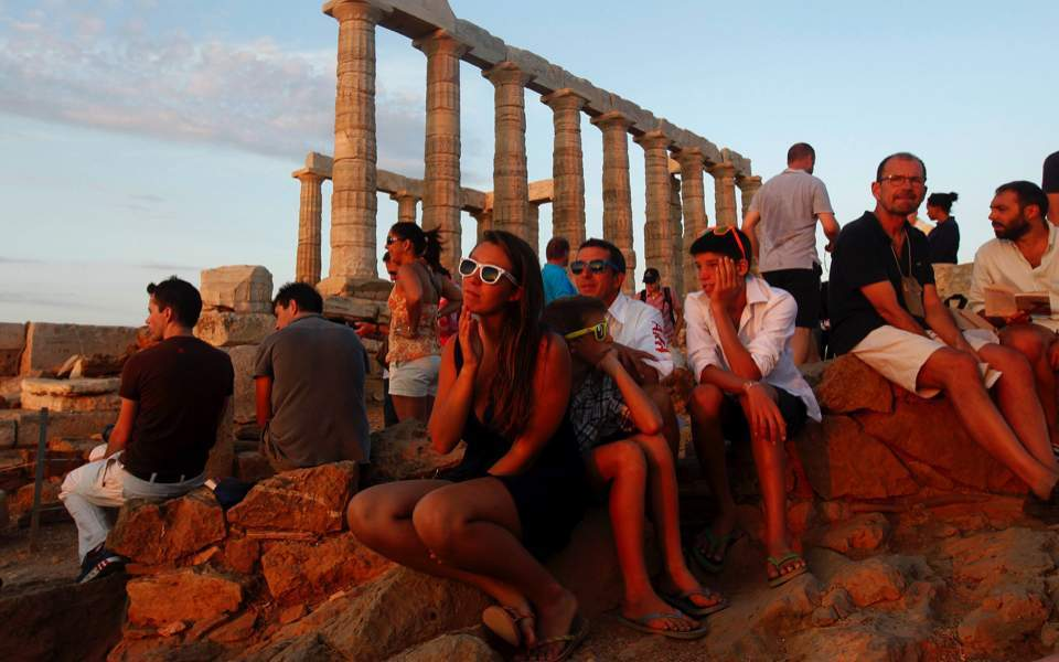 Greece developing three-point plan for restarting tourism