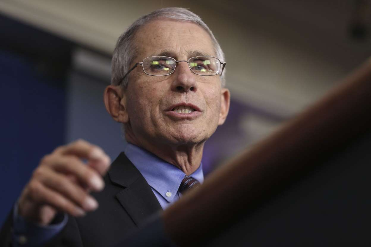 Don't Plan on Summer Holidays in U.S., Fauci Tells the British