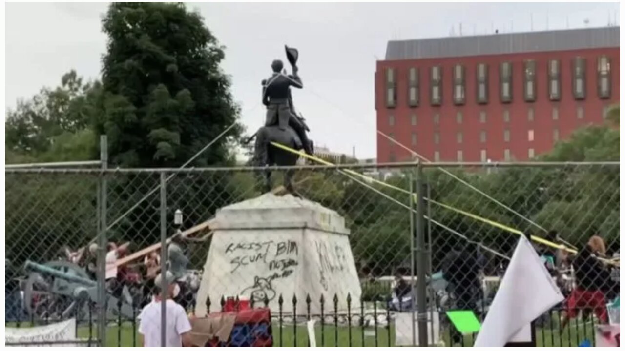 Trump Authorizes Feds To Arrest Anyone Vandalizing Statues, Warning They Face Up To 10 Yrs In Jail