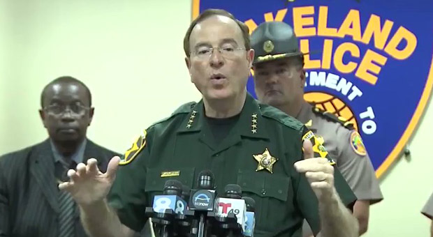 Florida Sheriff Urges Citizens to 'Blow' Looters 'Back Out the House With Their Guns'