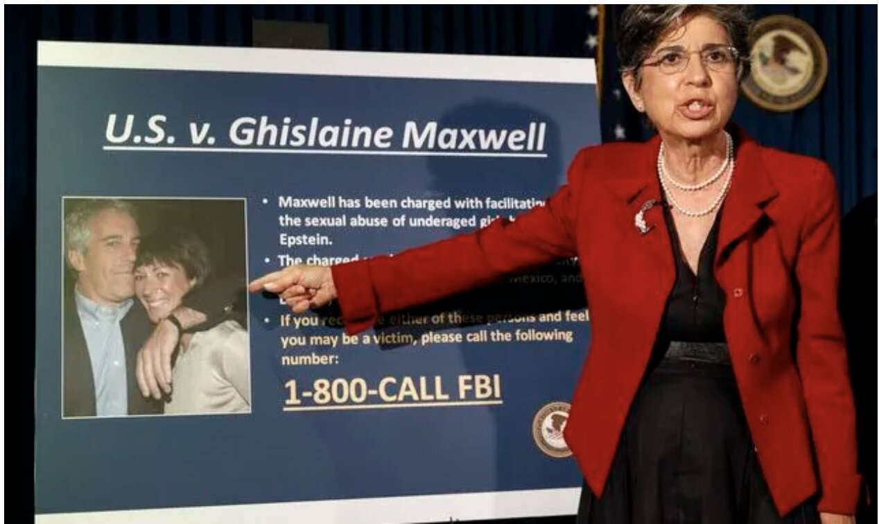 US Prosecutor Says Ghislaine Maxwell Played 'Critical Role' In Epstein's Abuse Of Underage Girls