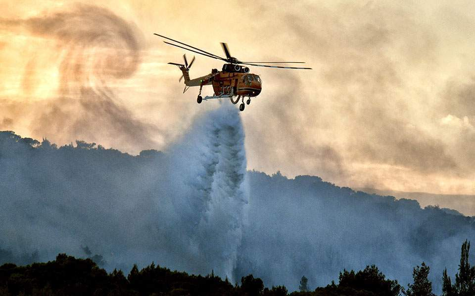 Greece: Homes evacuated near Athens as wind fuels wildfire