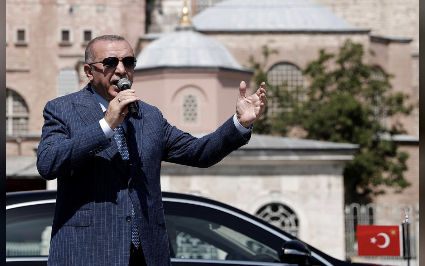 "STOP PROJECTING, Mr. ""Sultan""!!! – Erdogan says Greece 'sowing chaos' in Mediterranean"