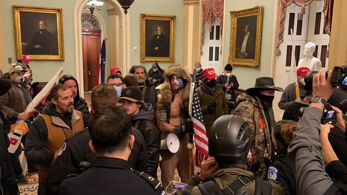 BREAKING: Patriots Have Made Their Way INSIDE THE CAPITOL — Pence Evacuated, Lawmakers Sheltering in Place (VIDEOS)