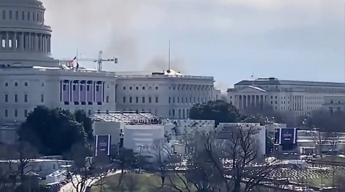Smoke Billows Near Capitol As Emergency Message Sends People Running – External Security Threat Declared